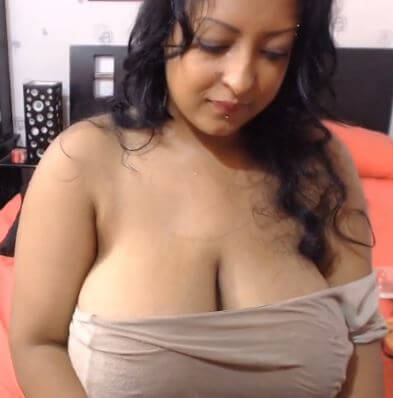 Big titts live